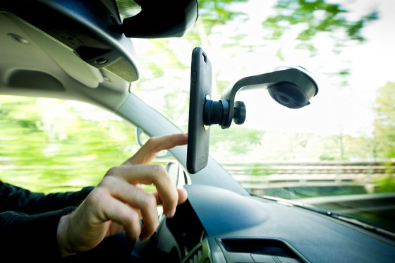 SuctionMount_Car2