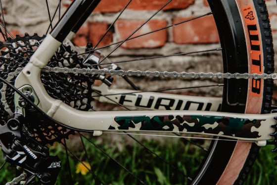 accent_bikes_gravel_Furious_army_camo_18