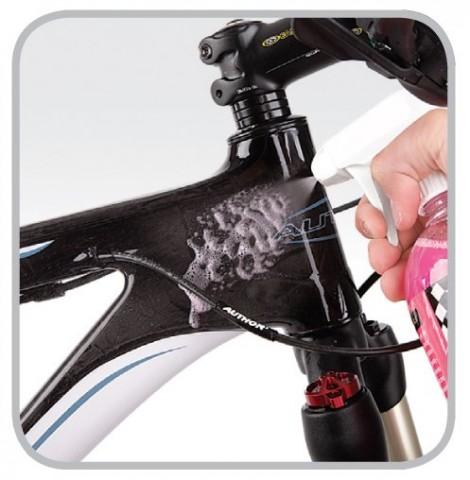 big_super_bike_wash_applied_onto_frame