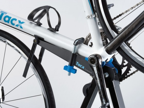 t3000_tacx_cyclestand_detail1_1105