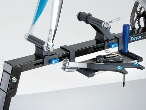 t3075_tacx_cyclemotionstand_detail_1105