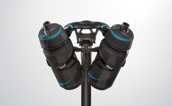 t7600_cage-mount-carbon_with-2-bottles_back